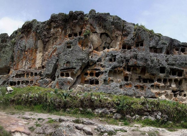 Tanga Amboni caves